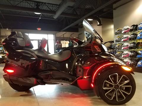 2016 Can-Am Spyder RT SE6 in Batavia, Ohio