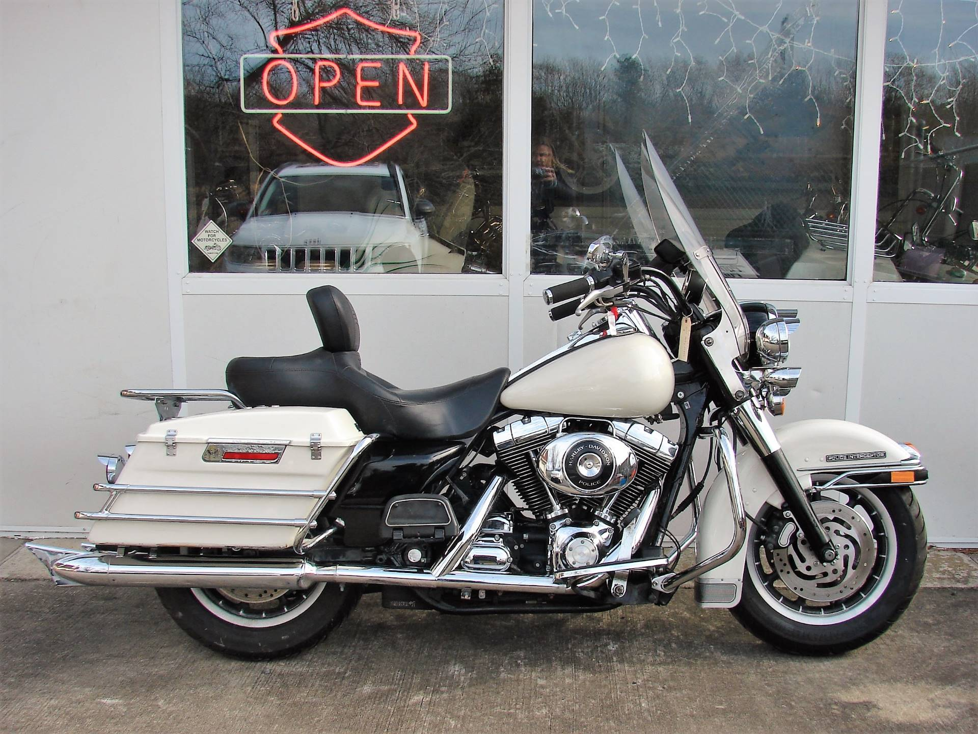 2001 Harley-Davidson FLHTPI Electra Glide (Police Special) - WHITE in Williamstown, New Jersey - Photo 1