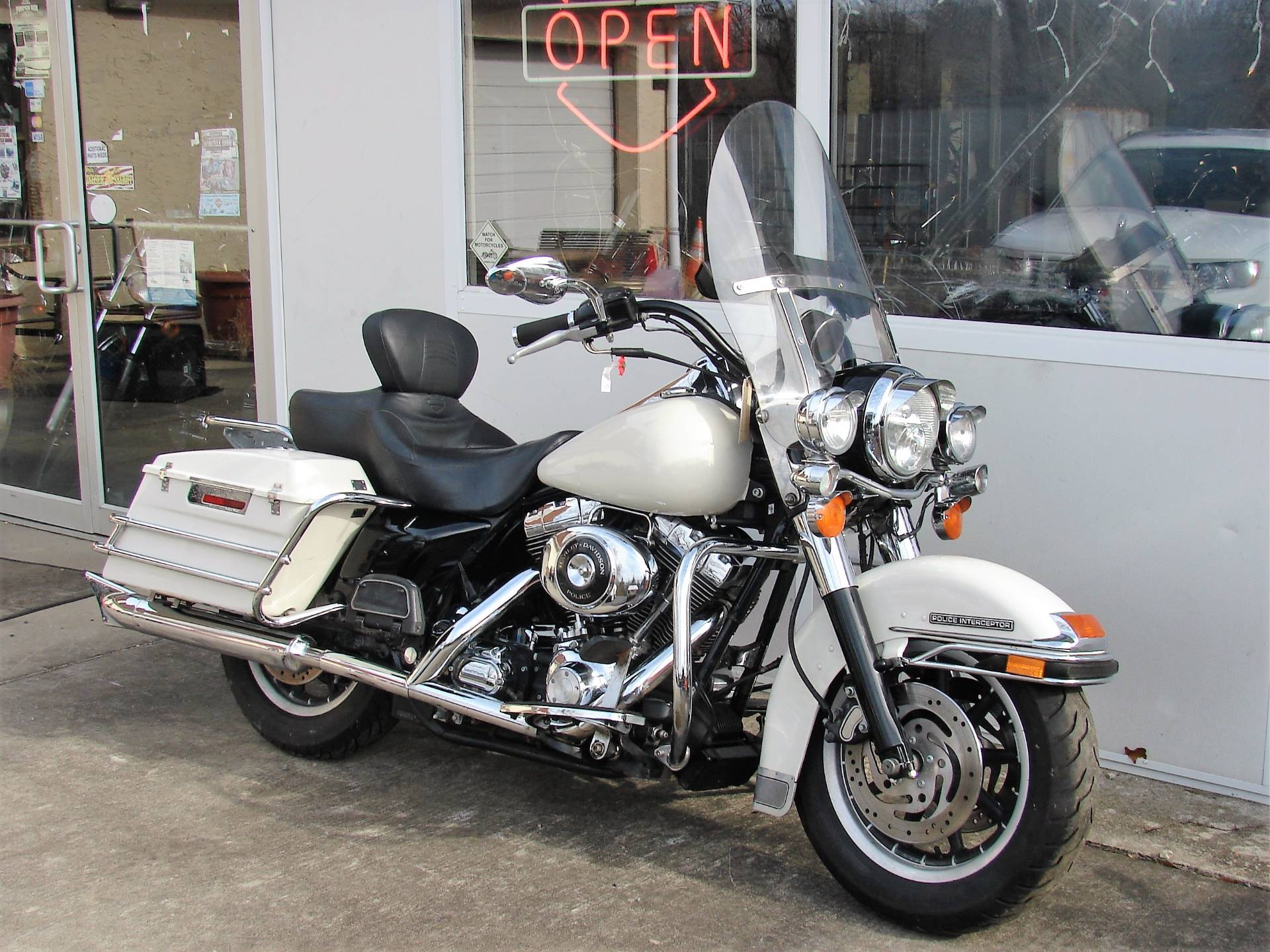 2001 Harley-Davidson FLHTPI Electra Glide (Police Special) - WHITE in Williamstown, New Jersey - Photo 3