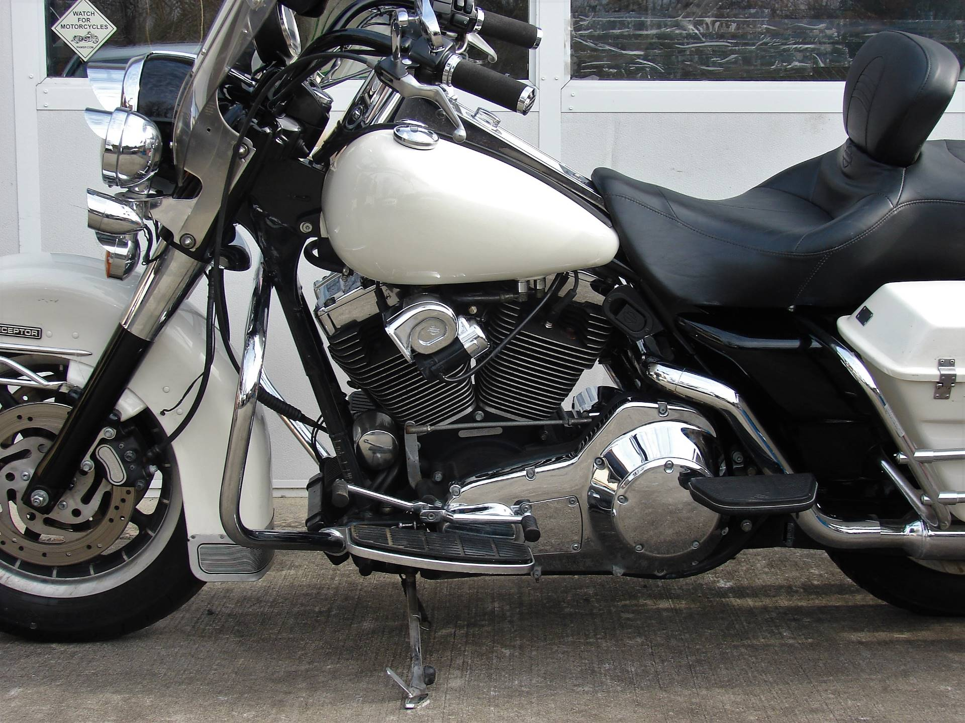 2001 Harley-Davidson FLHTPI Electra Glide (Police Special) - WHITE in Williamstown, New Jersey - Photo 6