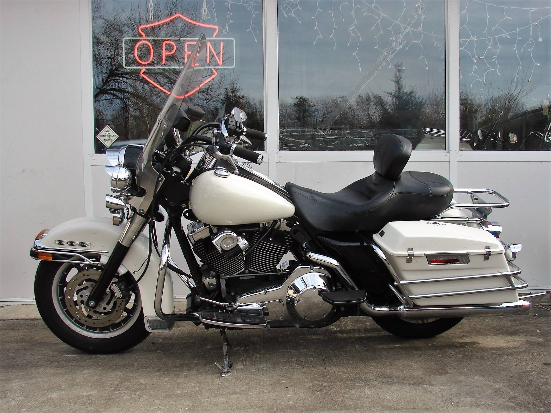 2001 Harley-Davidson FLHTPI Electra Glide (Police Special) - WHITE in Williamstown, New Jersey - Photo 10