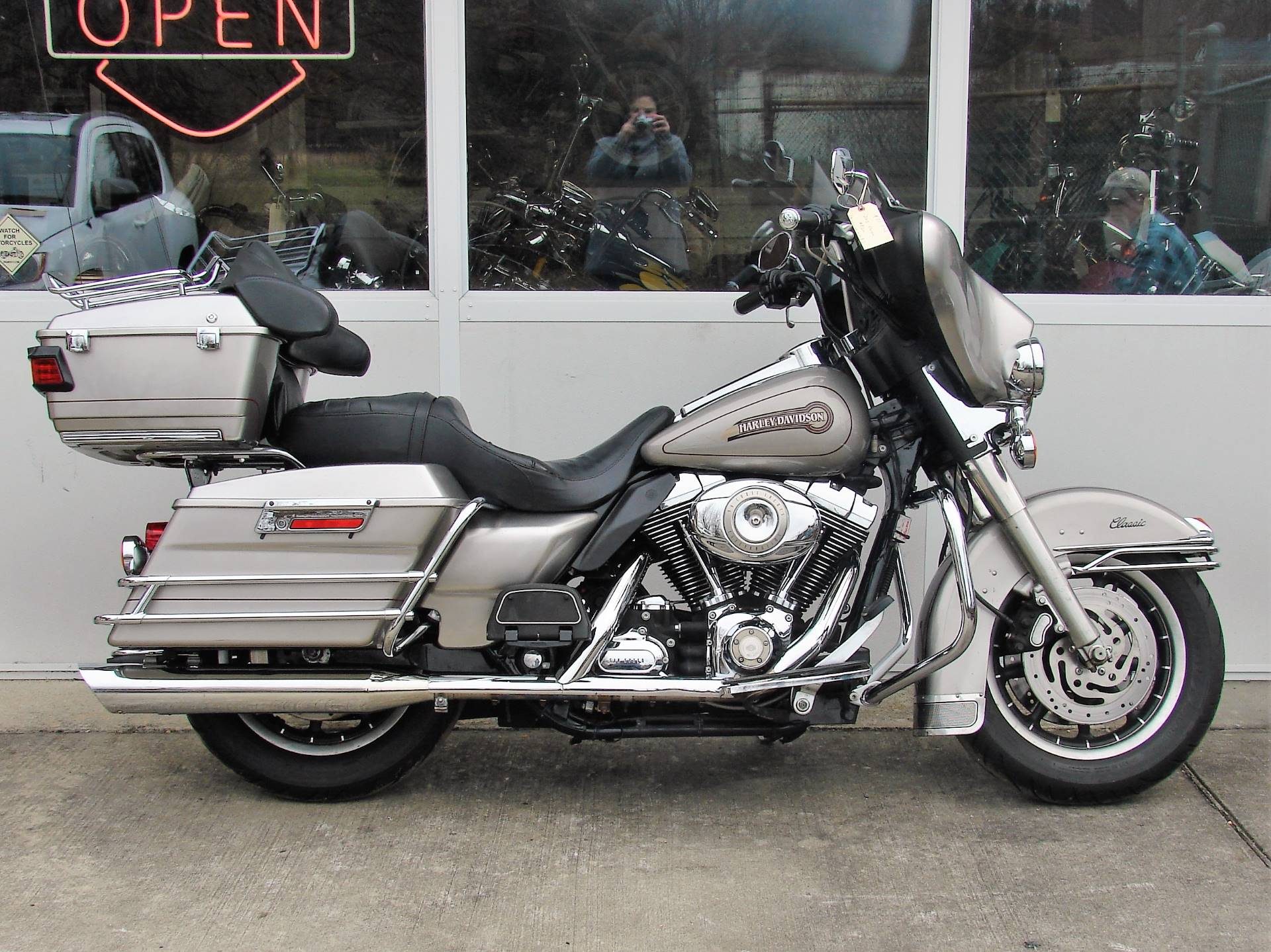 2007 Harley-Davidson Classic  (with 96 cubic inch Motor!) in Williamstown, New Jersey