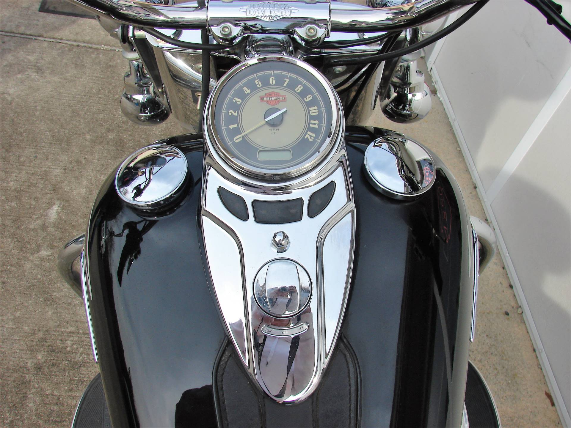 2011 Harley-Davidson FLSTC Heritage Softail in Williamstown, New Jersey - Photo 6