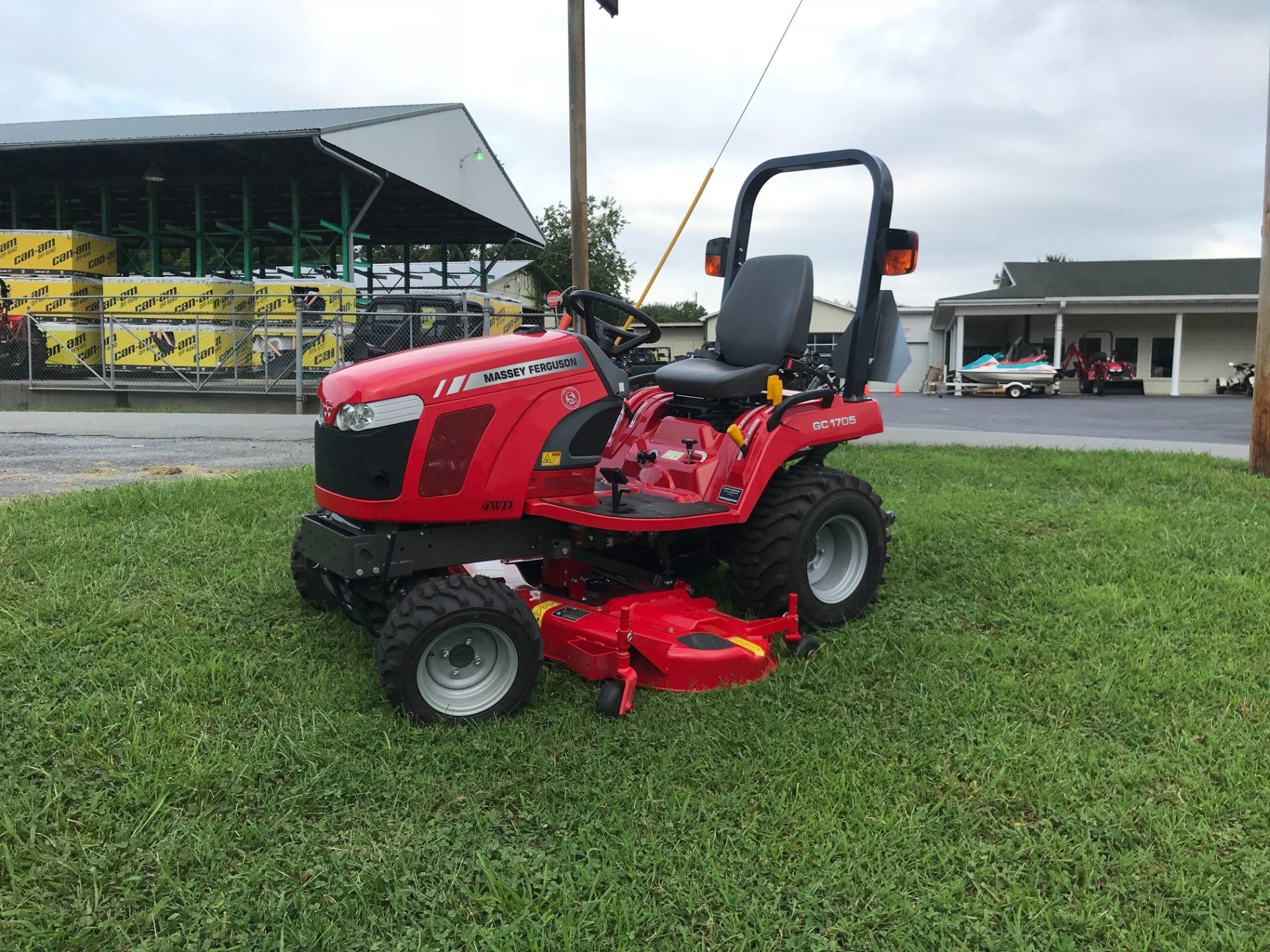 2018 Massey Ferguson GC1705 in Elizabethton, Tennessee