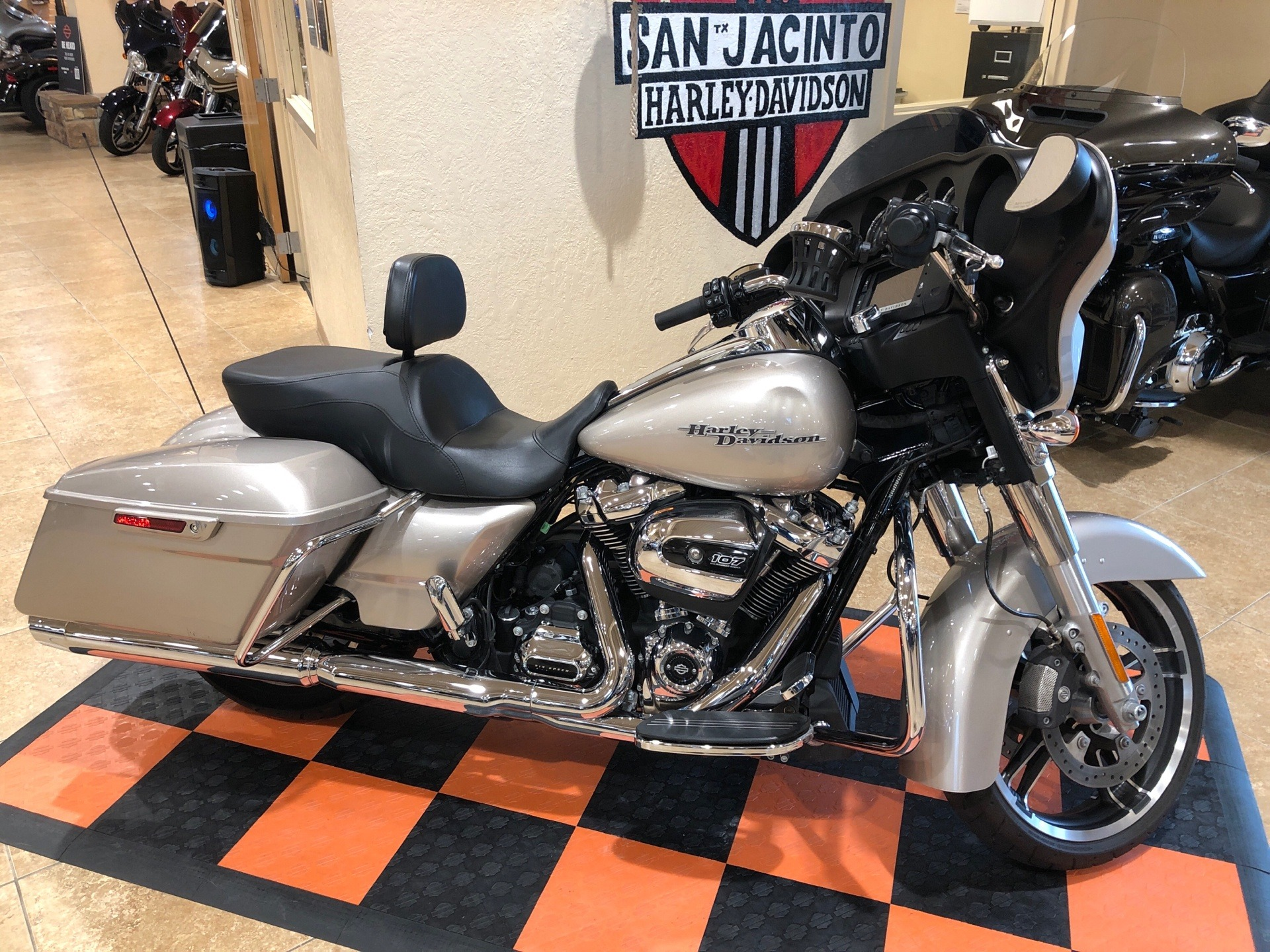 2018 Harley-Davidson Street Glide® in Pasadena, Texas - Photo 1