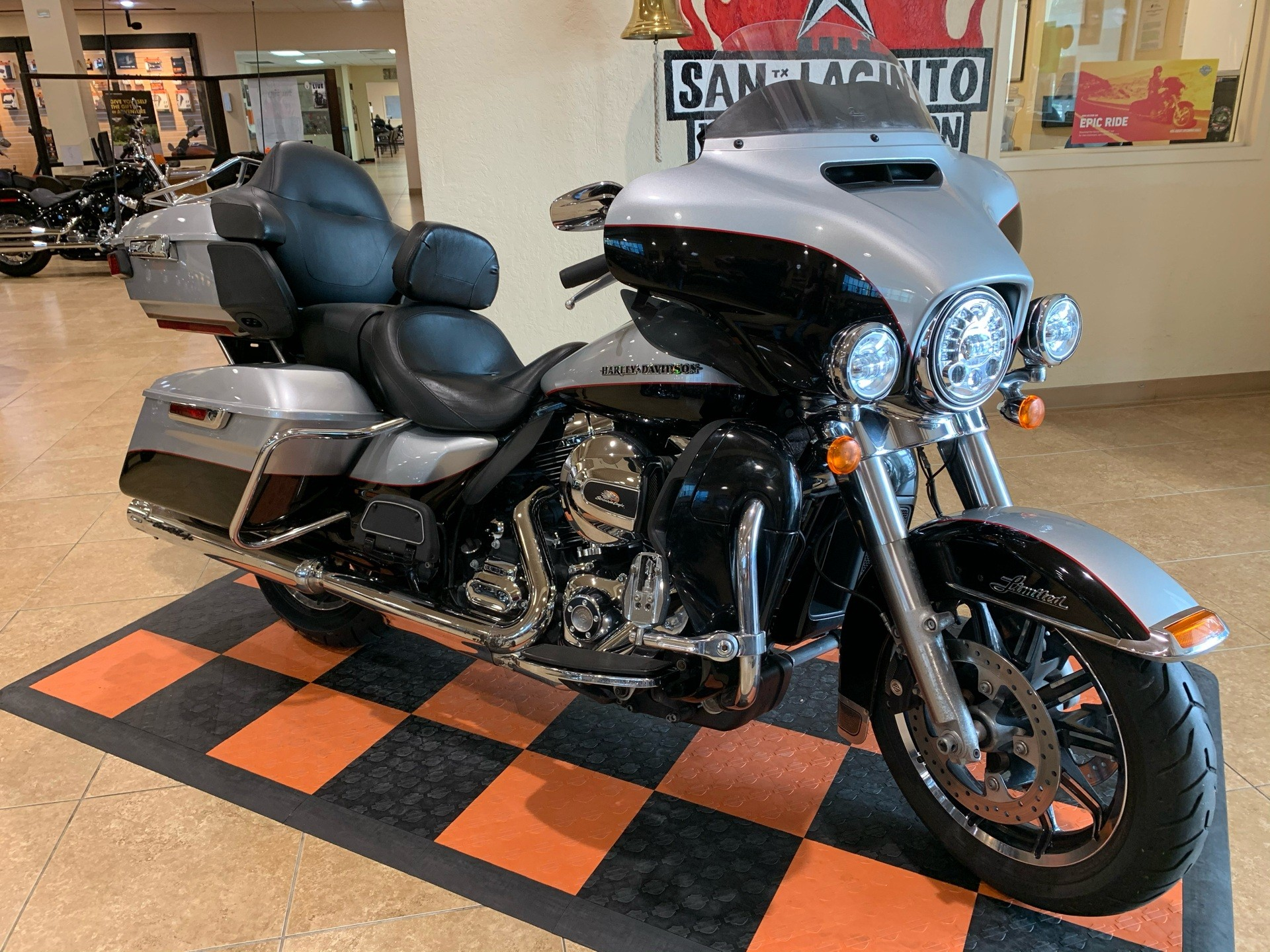2015 Harley-Davidson Ultra Limited in Pasadena, Texas - Photo 2