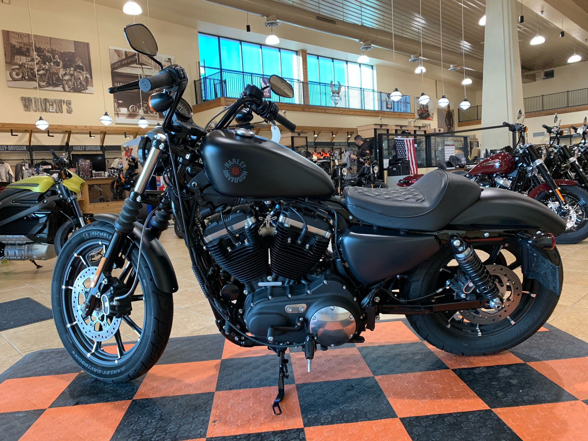 2020 Harley-Davidson Iron 883™ in Pasadena, Texas - Photo 5