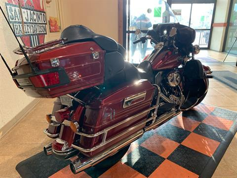 2010 Harley-Davidson Ultra Classic® Electra Glide® in Pasadena, Texas - Photo 3