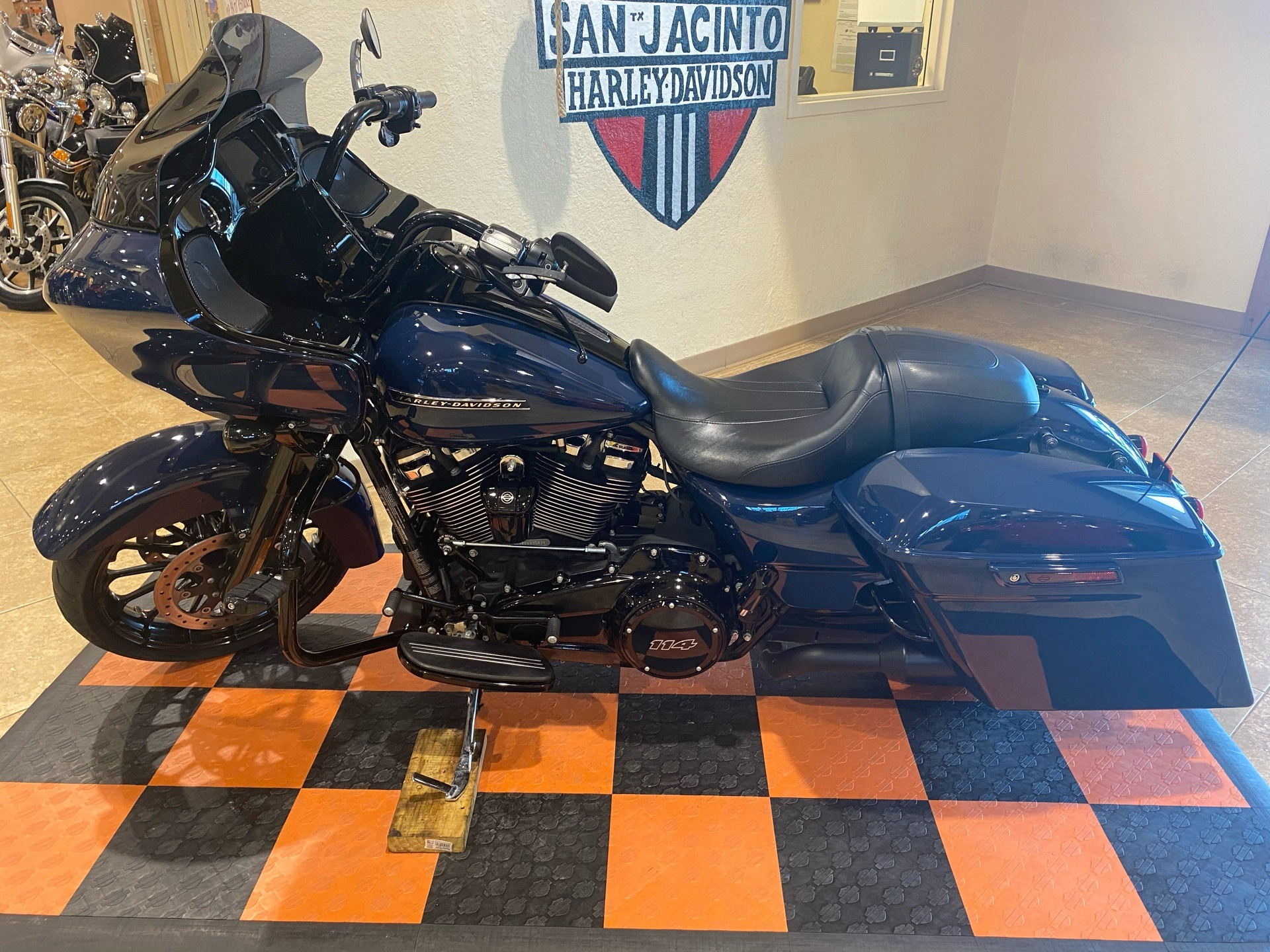 2019 Harley-Davidson Road Glide® Special in Pasadena, Texas - Photo 4