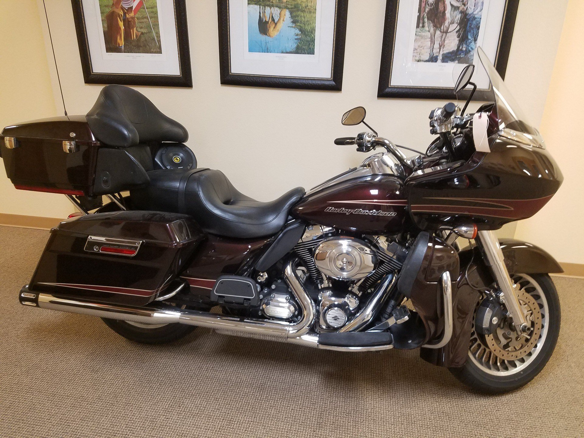 2011 Harley-Davidson Road Glide® Ultra in Pasadena, Texas - Photo 2