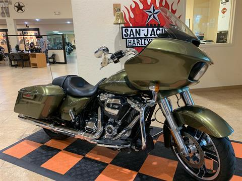2017 Harley-Davidson Road Glide® Special in Pasadena, Texas - Photo 2