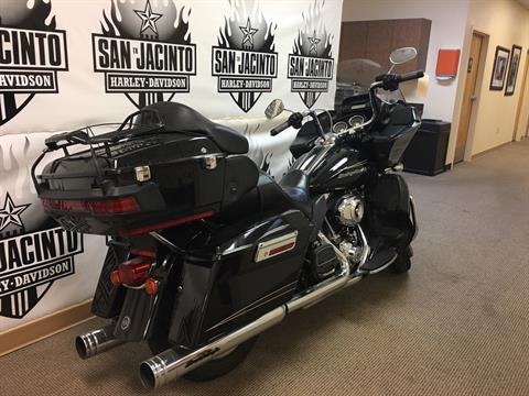 2012 Harley-Davidson Road Glide® Ultra in Pasadena, Texas - Photo 6