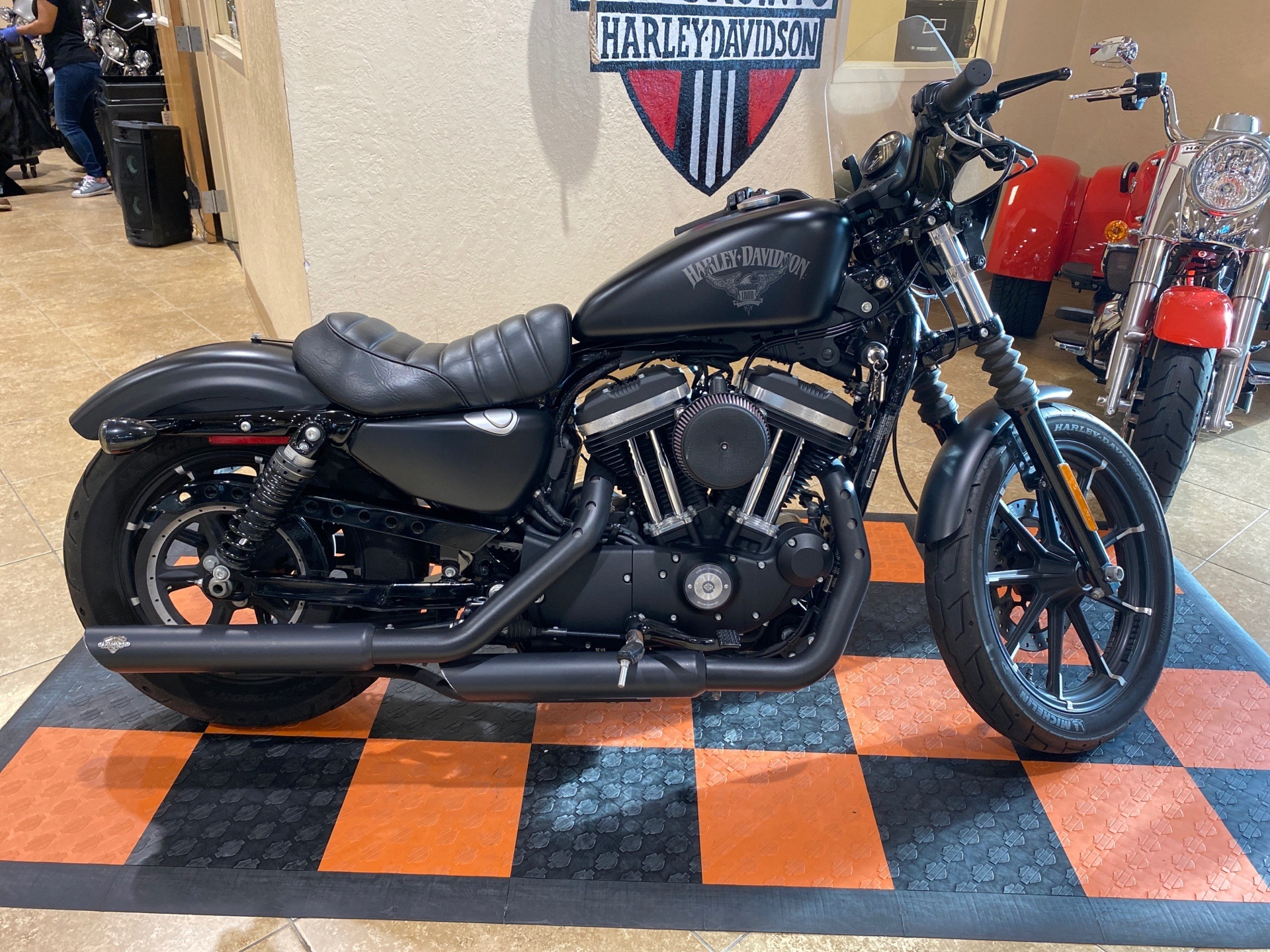 2017 Harley-Davidson Iron 883™ in Pasadena, Texas - Photo 1