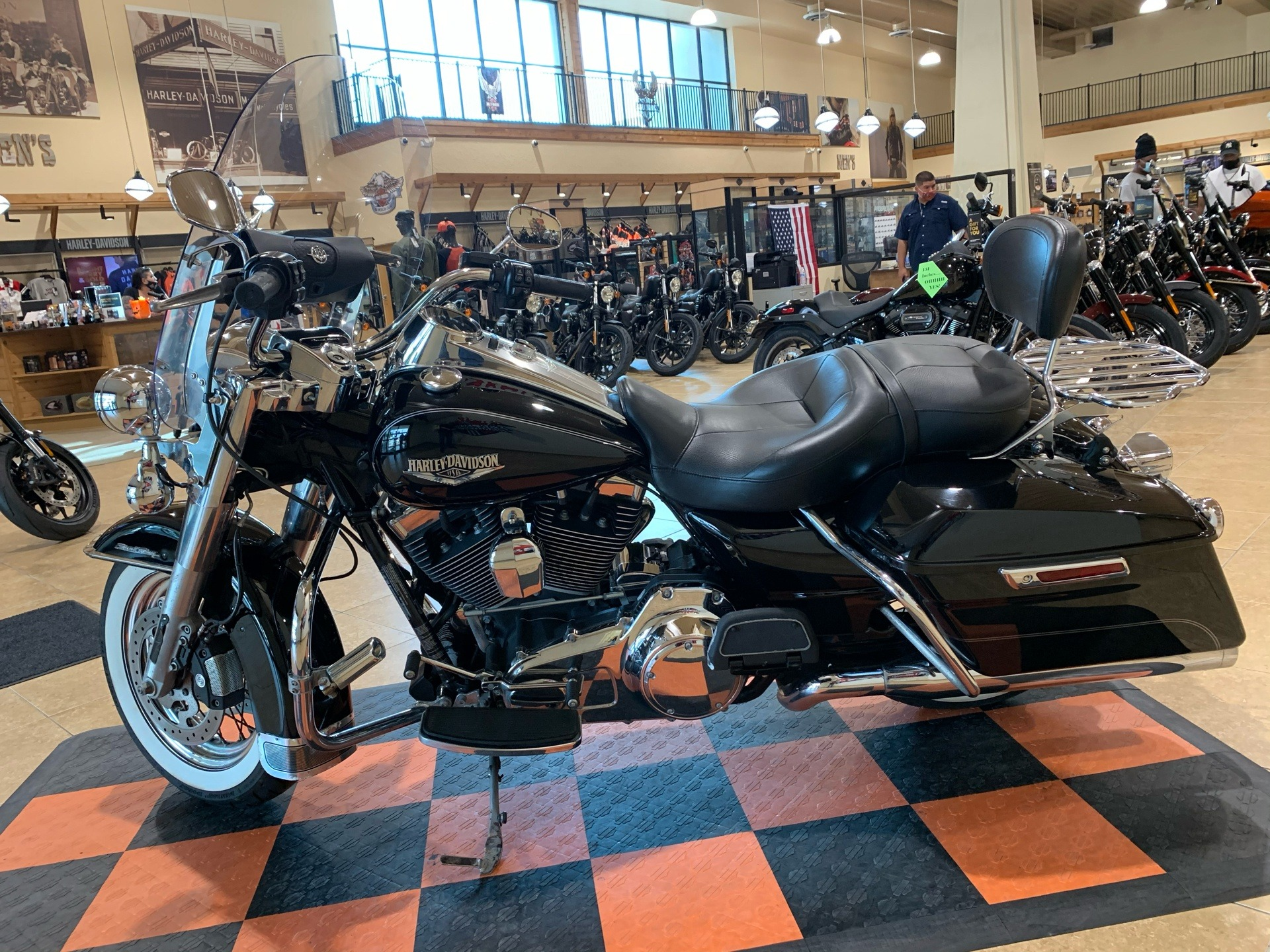 2014 Harley-Davidson Road King® in Pasadena, Texas - Photo 4