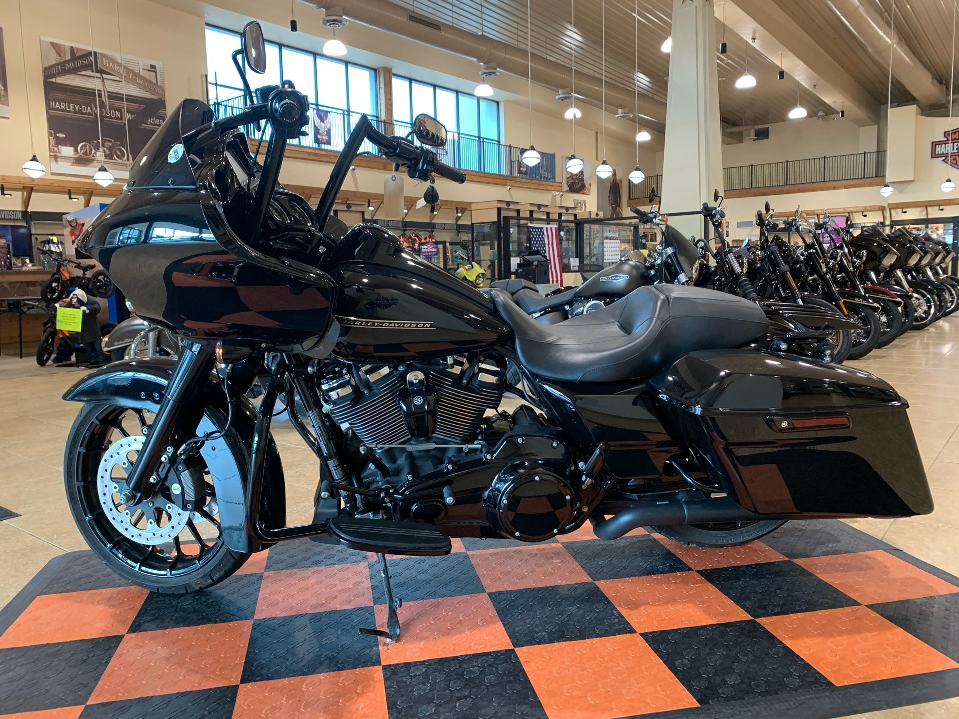 2018 Harley-Davidson Road Glide® Special in Pasadena, Texas - Photo 4