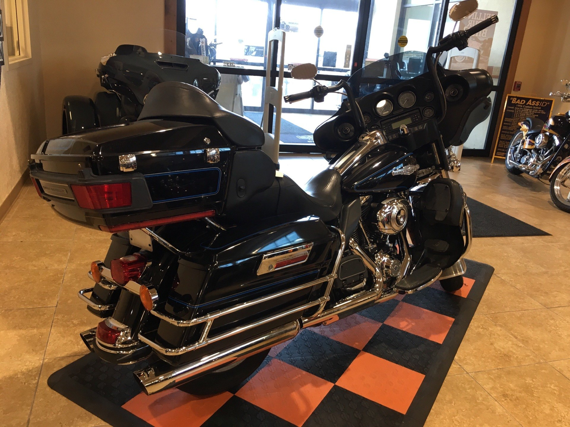 2013 Harley-Davidson Ultra Classic® Electra Glide® in Pasadena, Texas - Photo 3