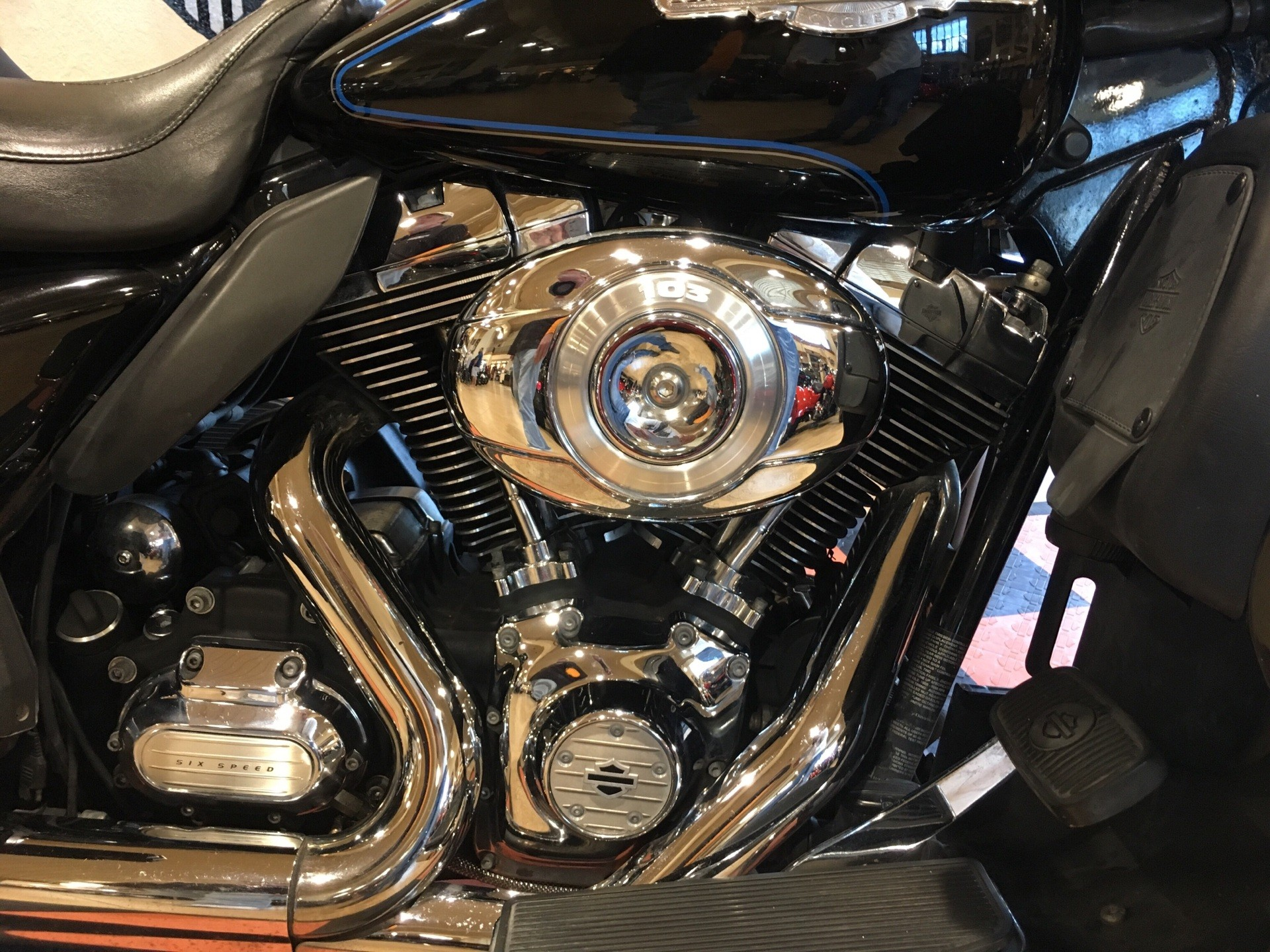 2013 Harley-Davidson Ultra Classic® Electra Glide® in Pasadena, Texas - Photo 4
