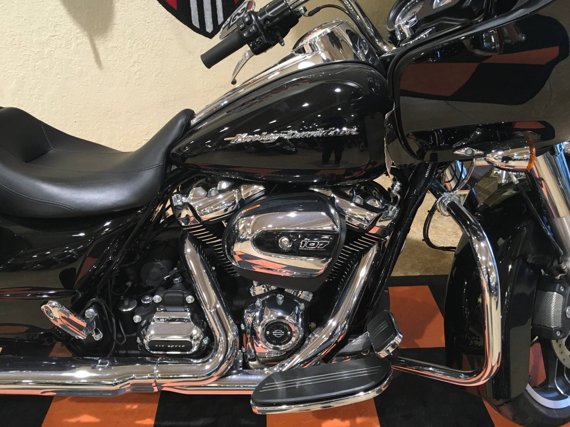 2018 Harley-Davidson Road Glide® in Pasadena, Texas - Photo 2