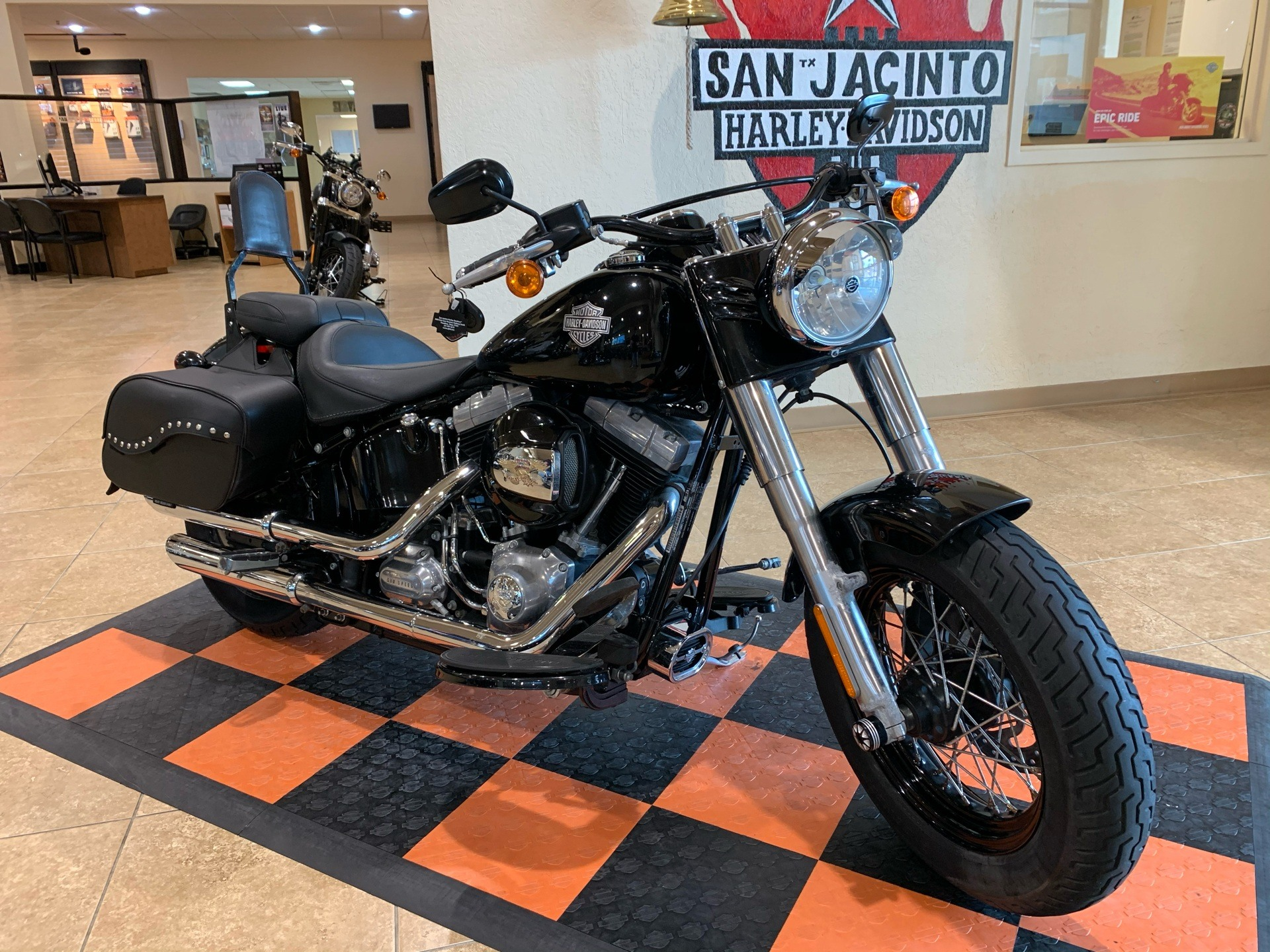 2016 Harley-Davidson Softail Slim® in Pasadena, Texas - Photo 2