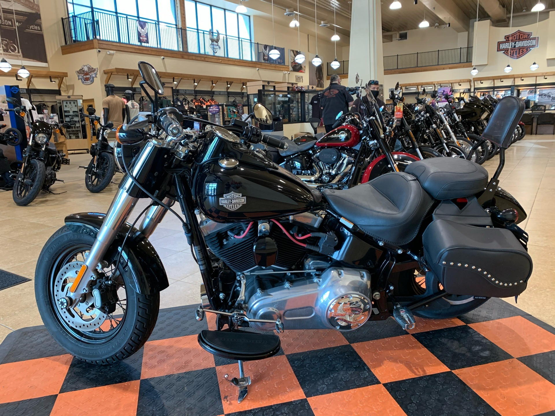2016 Harley-Davidson Softail Slim® in Pasadena, Texas - Photo 4