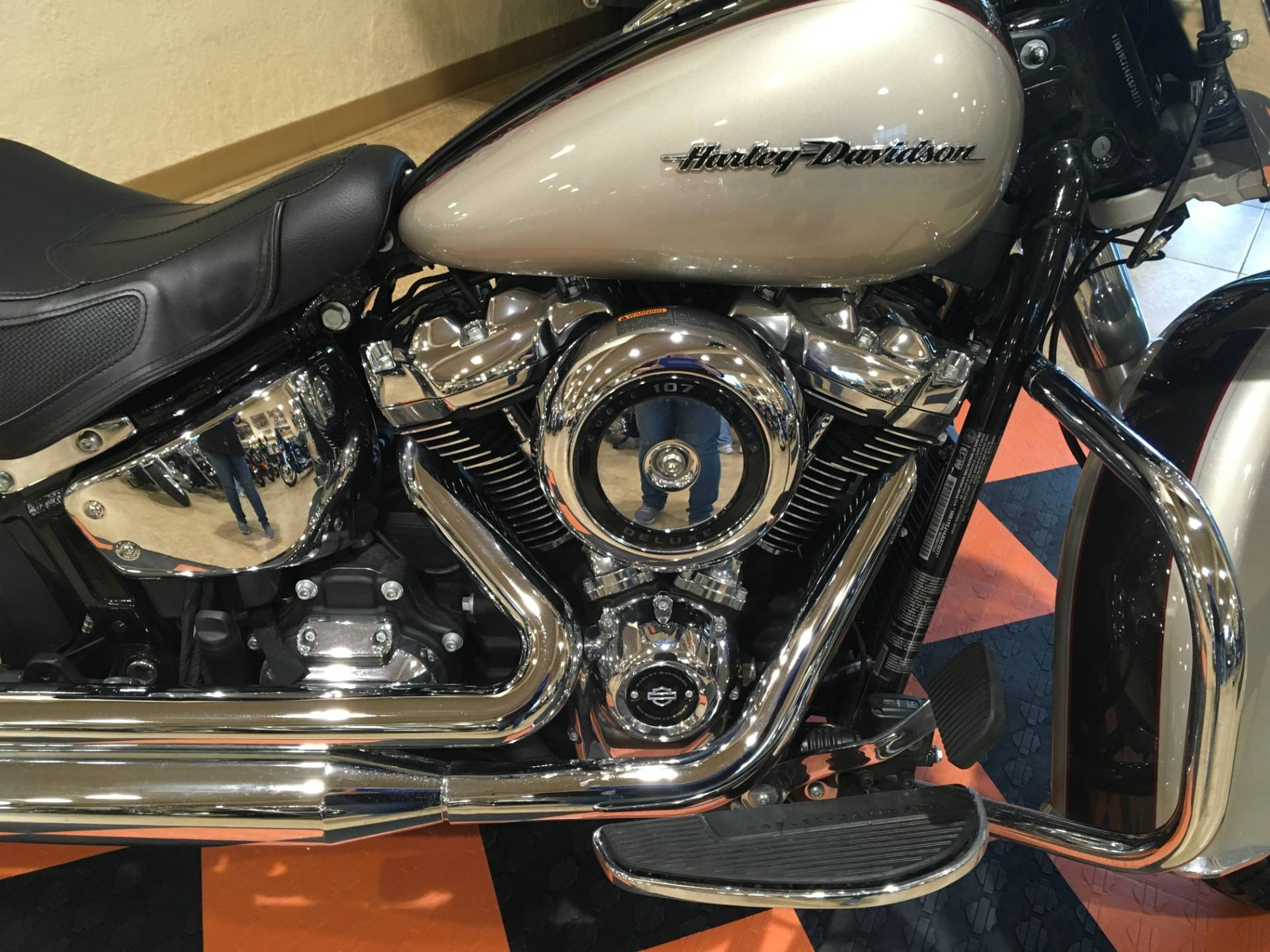 2018 Harley-Davidson Softail® Deluxe 107 in Pasadena, Texas - Photo 2