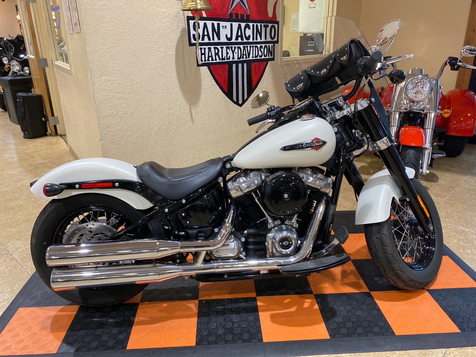 2019 Harley-Davidson Softail Slim® in Pasadena, Texas - Photo 2