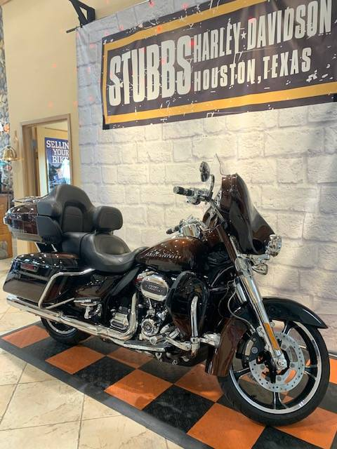 2019 Harley-Davidson CUSTOM VEHICLE OPS ELECTRA GLIDE ULTRA LIMITED in Houston, Texas - Photo 2