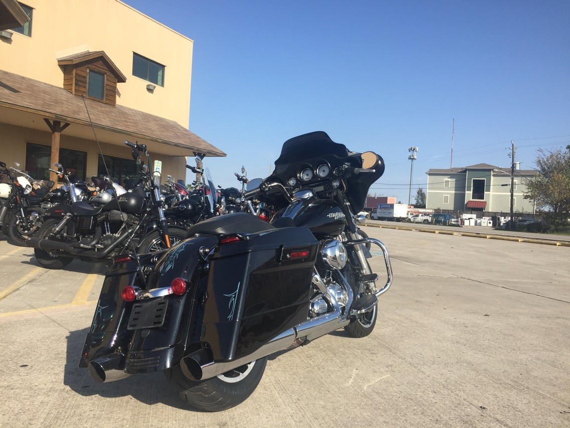 2013 Harley-Davidson Street Glide® in Houston, Texas - Photo 2