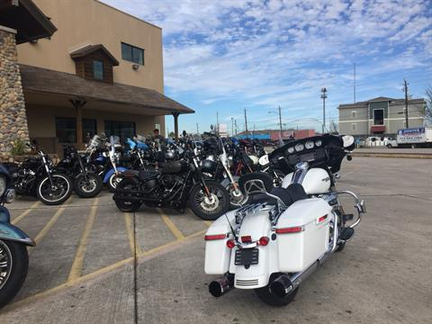 2017 Harley-Davidson STREETGLIDE SPECIAL in Houston, Texas - Photo 2