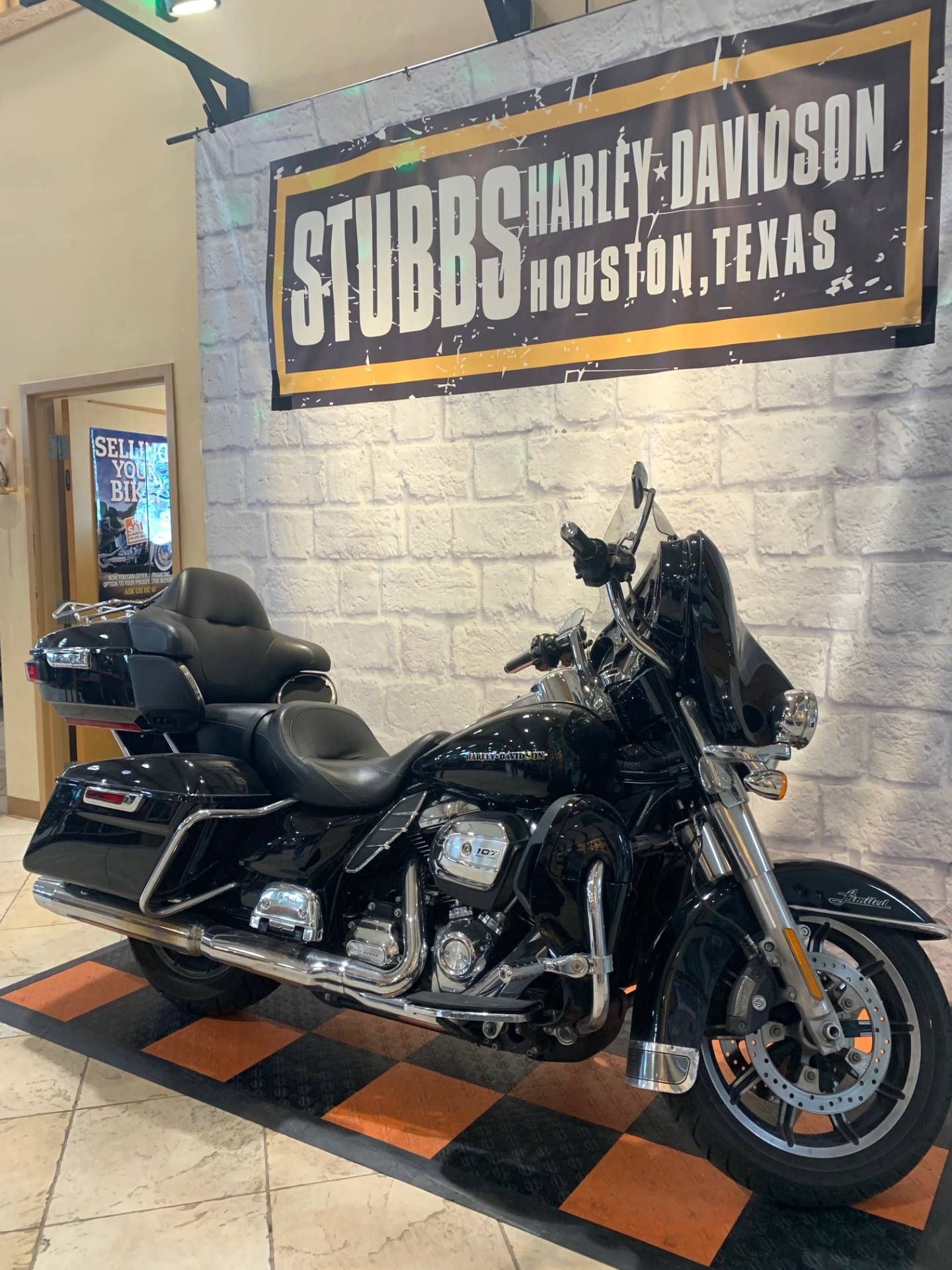 2018 Harley-Davidson LIMITED in Houston, Texas - Photo 2