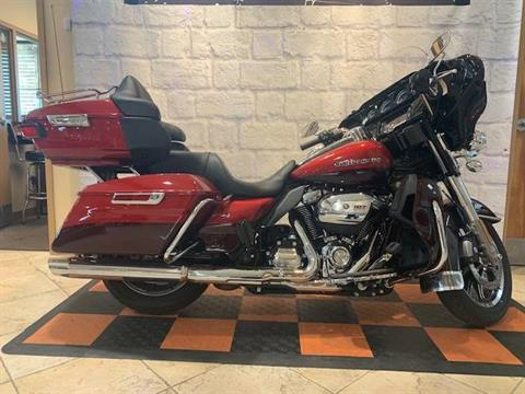 2018 Harley-Davidson LIMITED LOW in Houston, Texas - Photo 2