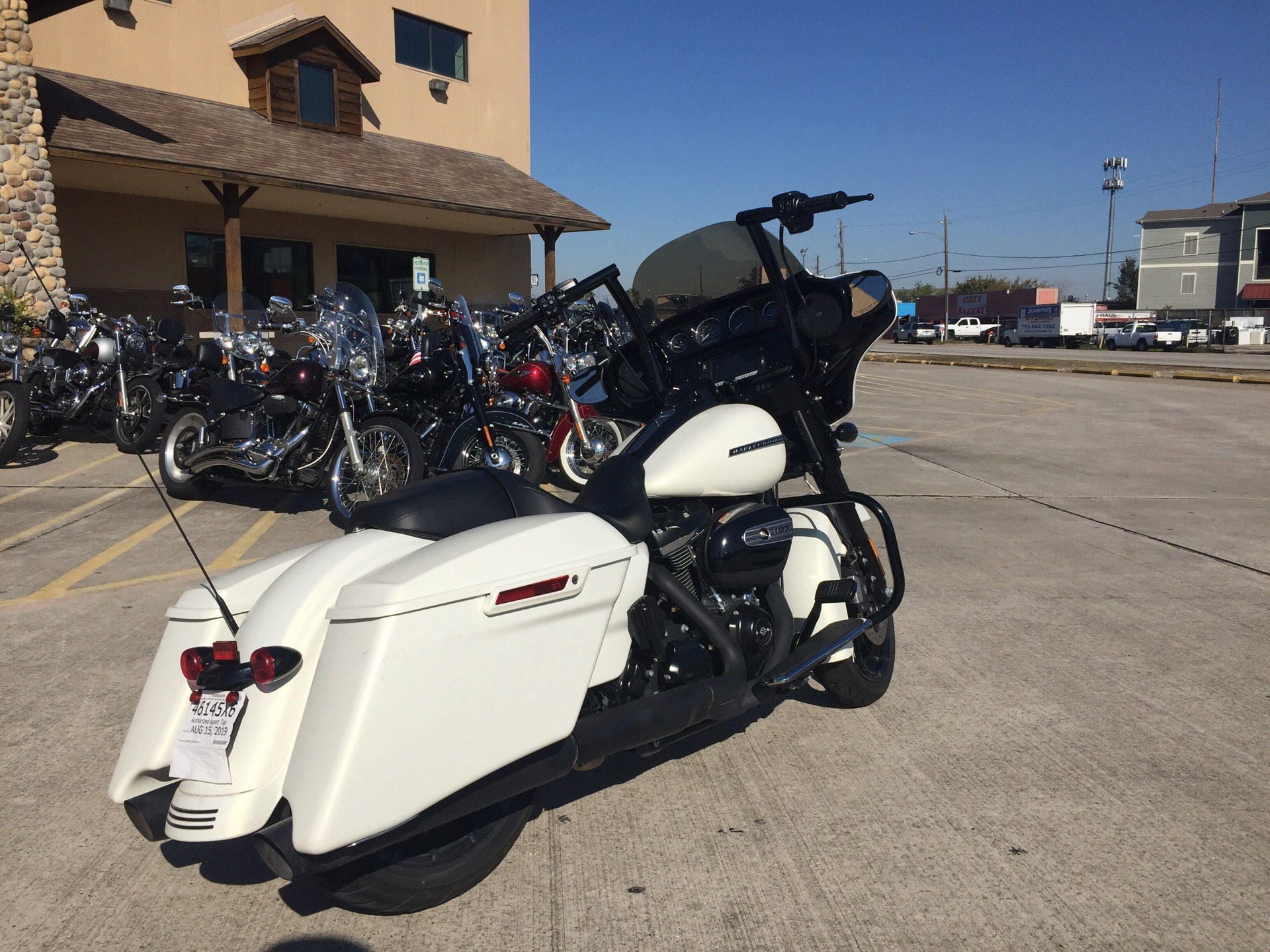 2018 Harley-Davidson Street Glide® Special in Houston, Texas - Photo 2
