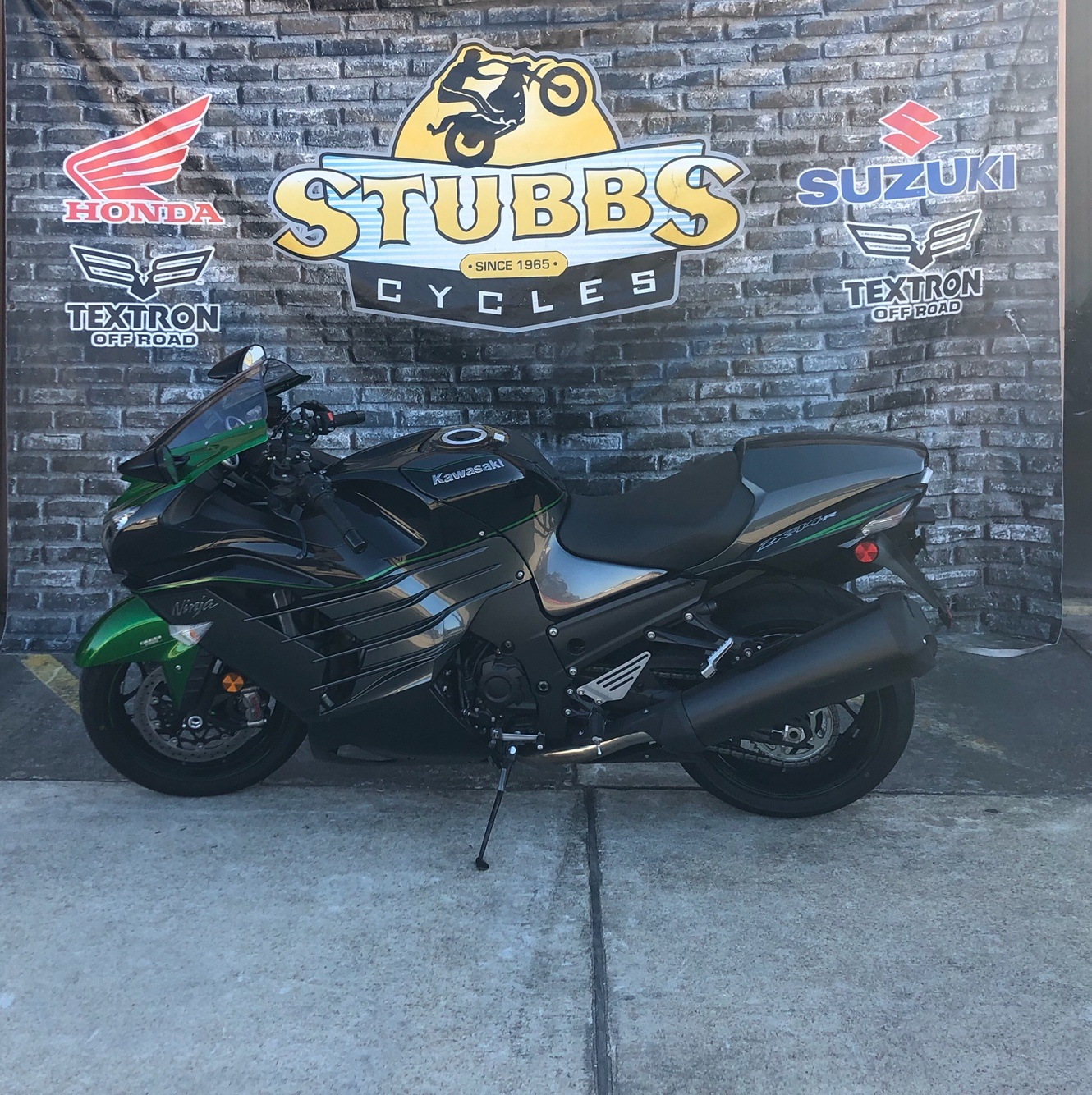 2019 Kawasaki Ninja ZX-14R in Houston, Texas - Photo 2