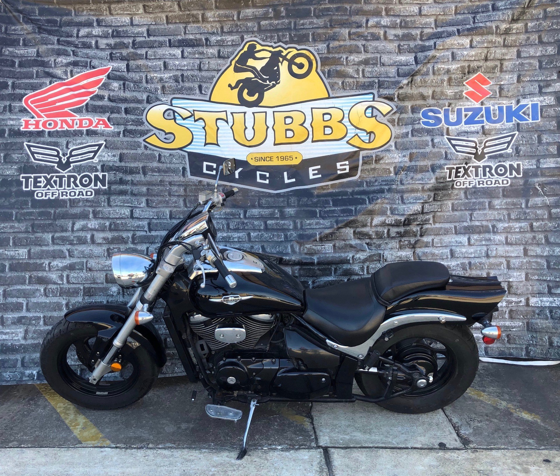 2005 Suzuki Boulevard M50 Black in Houston, Texas - Photo 3