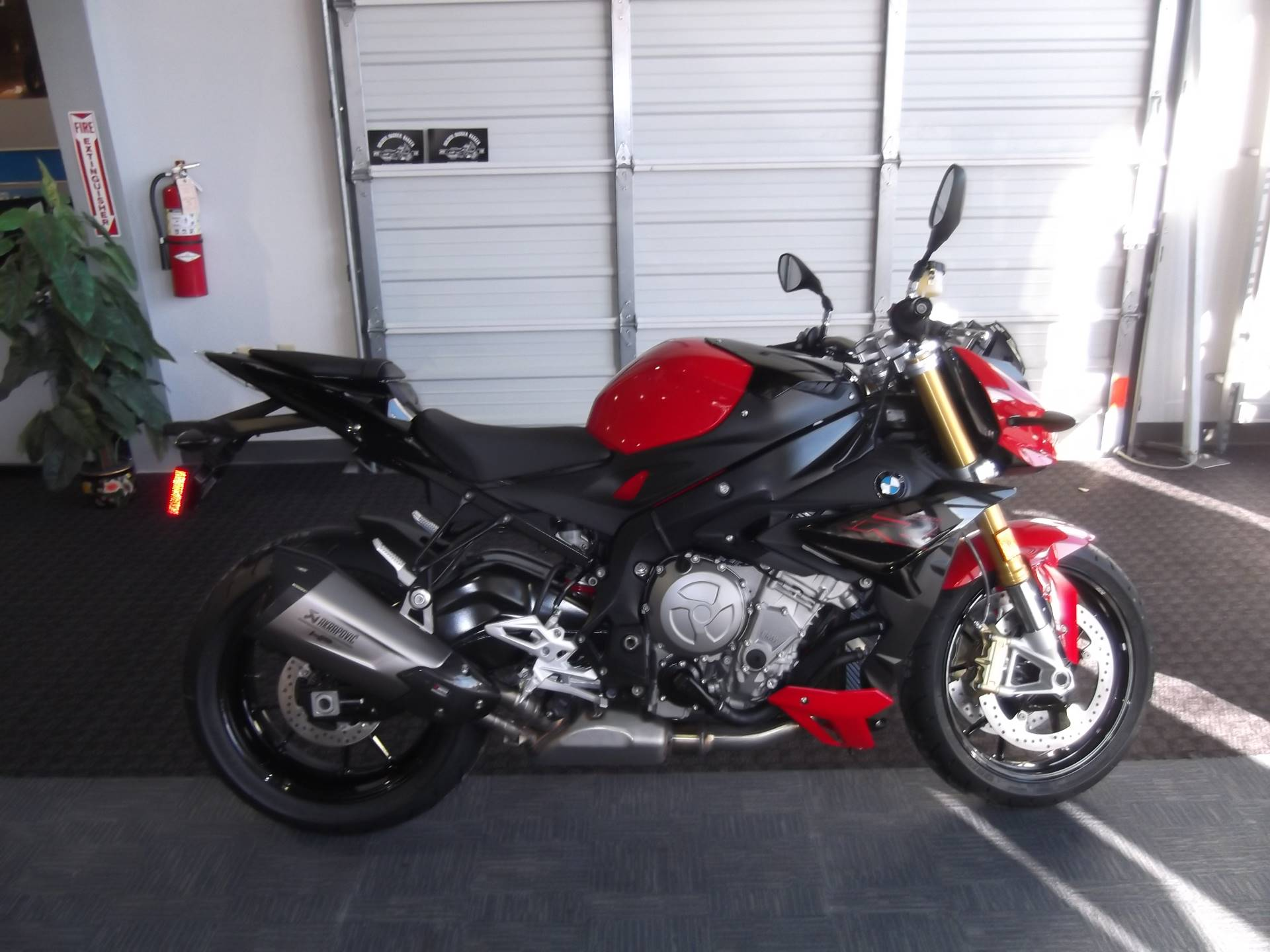 2018 BMW S1000R in Boerne, Texas