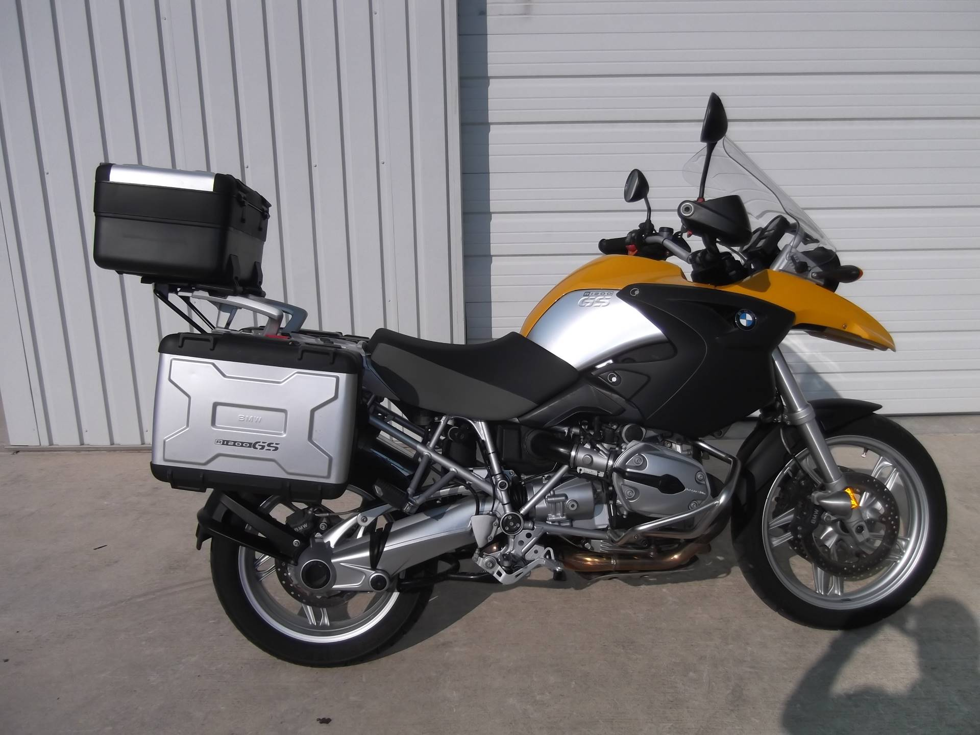 2005 BMW R1200GS Nicely equipped for sale 65989