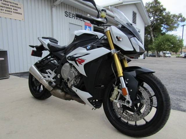 2016 BMW S 1000 R in Boerne, Texas - Photo 2
