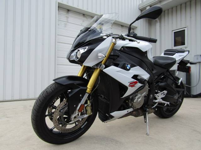 2016 BMW S 1000 R in Boerne, Texas - Photo 4