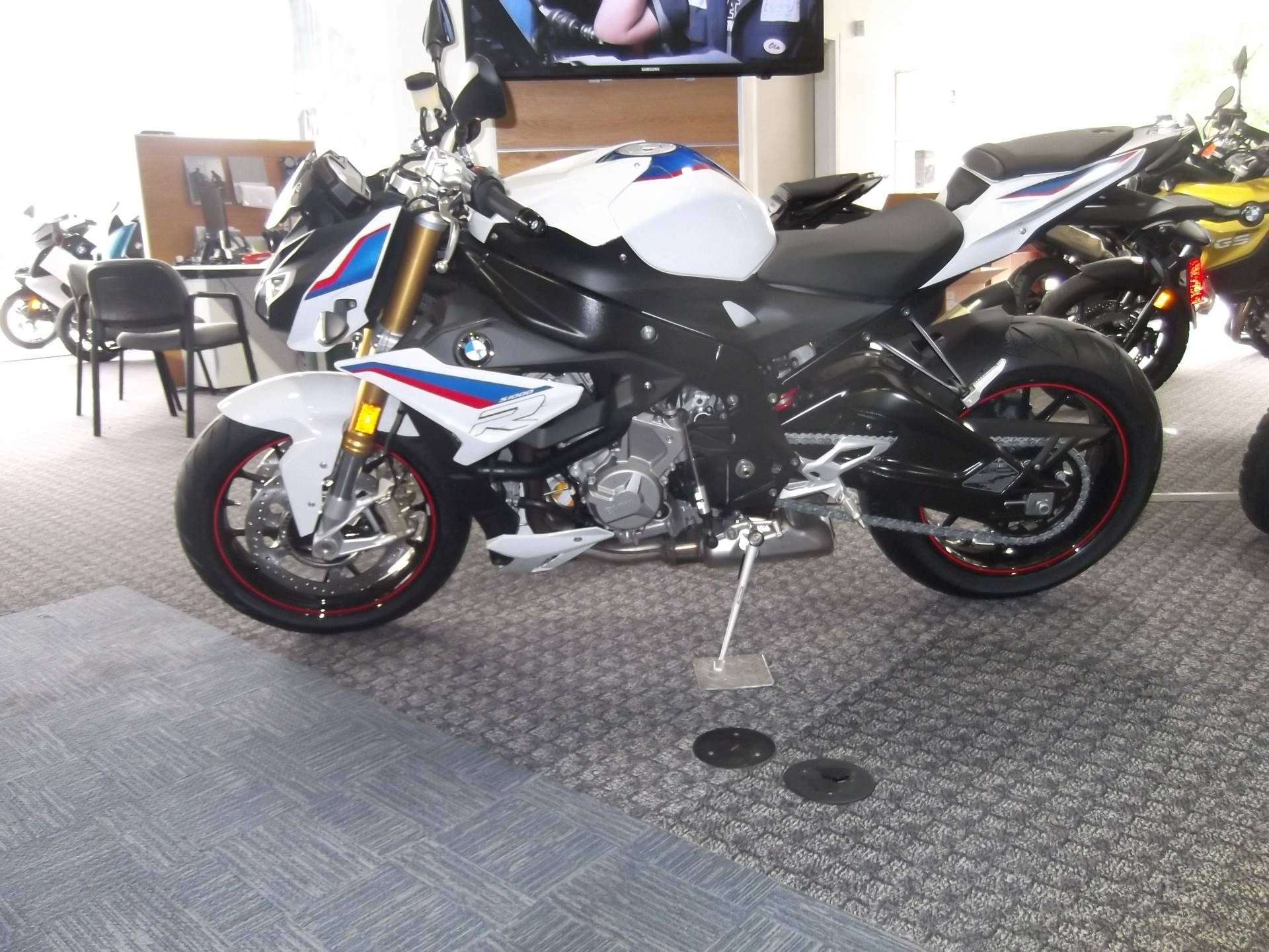 2019 BMW S 1000 R in Boerne, Texas - Photo 3