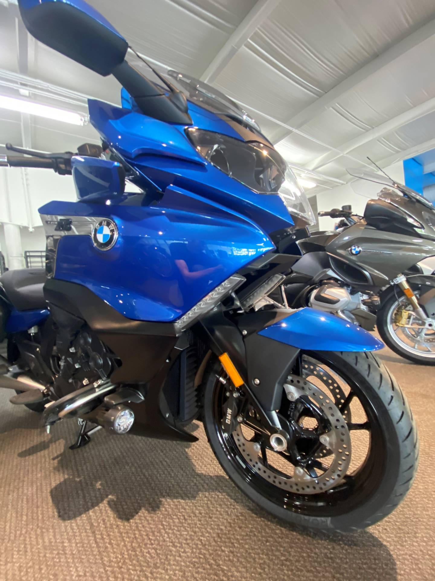 2020 BMW K 1600 B in Iowa City, Iowa - Photo 2