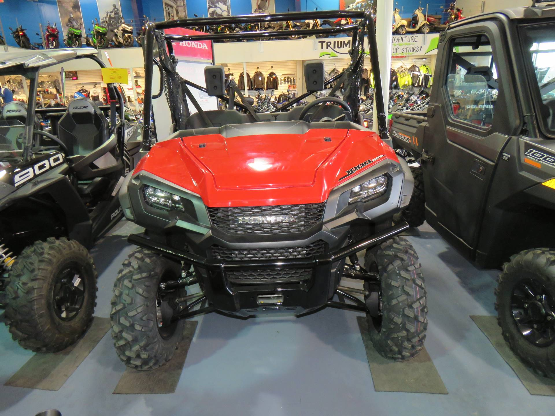 2020 Honda Pioneer 1000 Deluxe in Iowa City, Iowa - Photo 3
