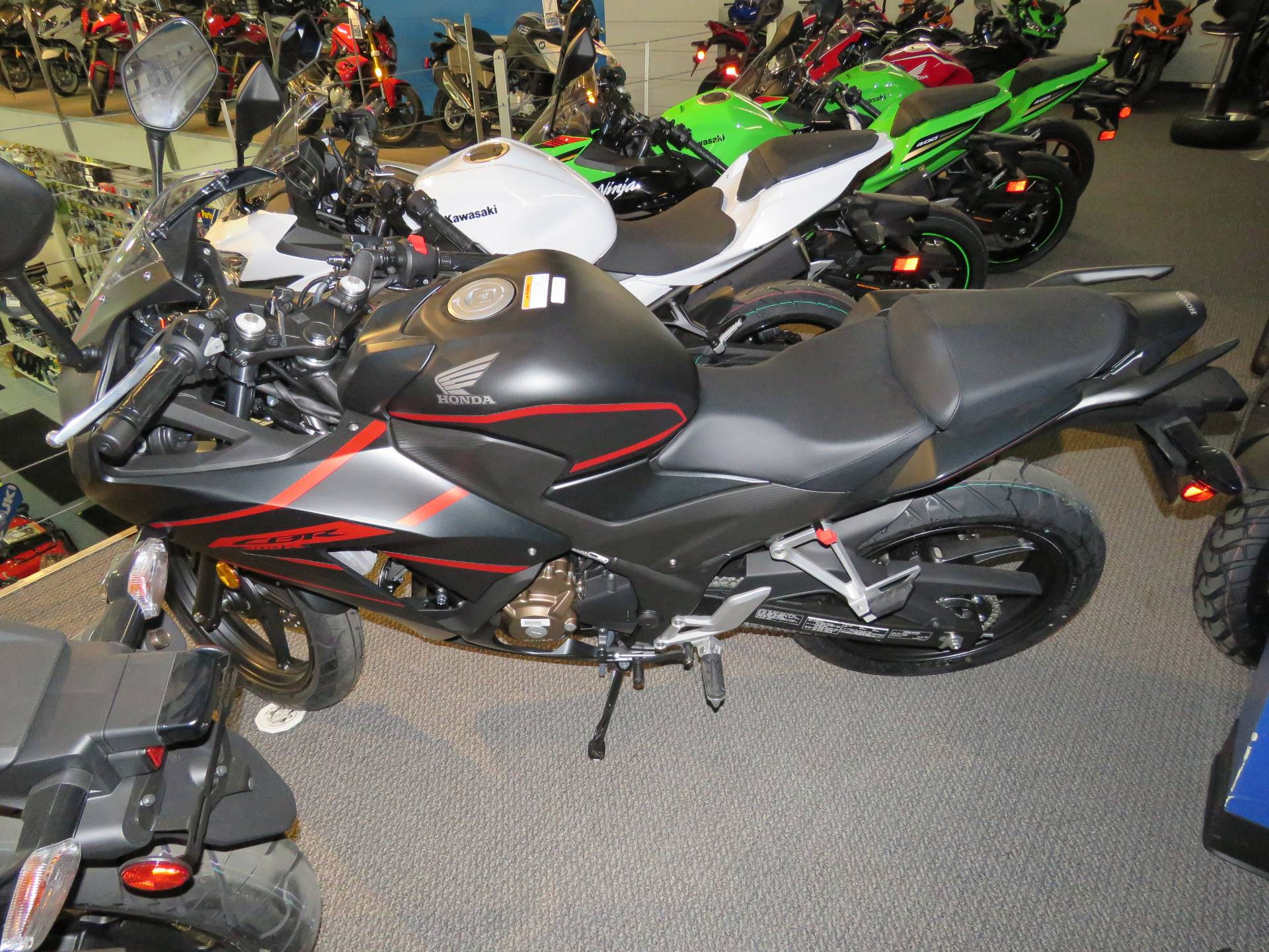 2020 Honda CBR300R ABS in Iowa City, Iowa - Photo 4