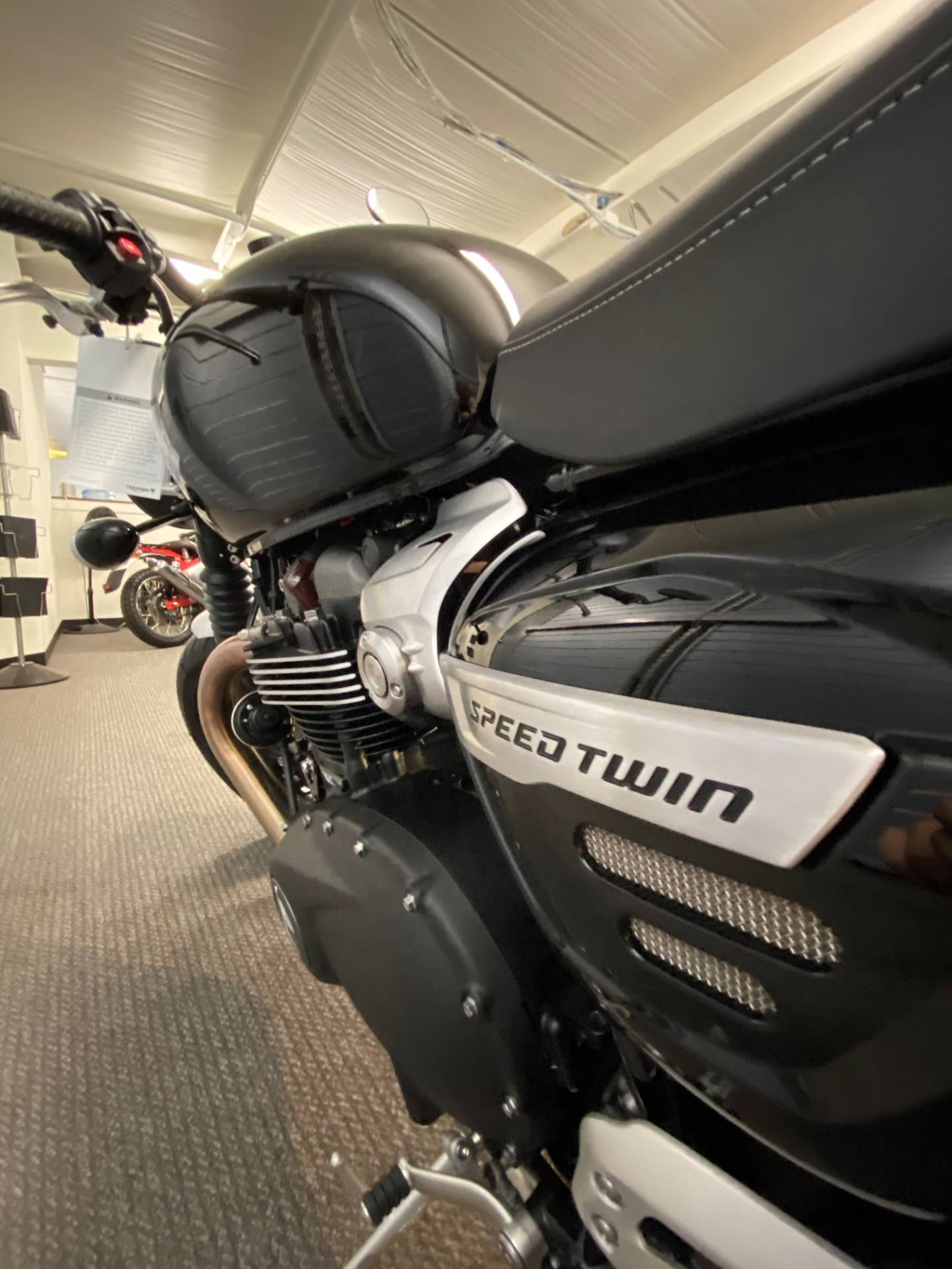 2020 Triumph Speed Twin in Iowa City, Iowa - Photo 6