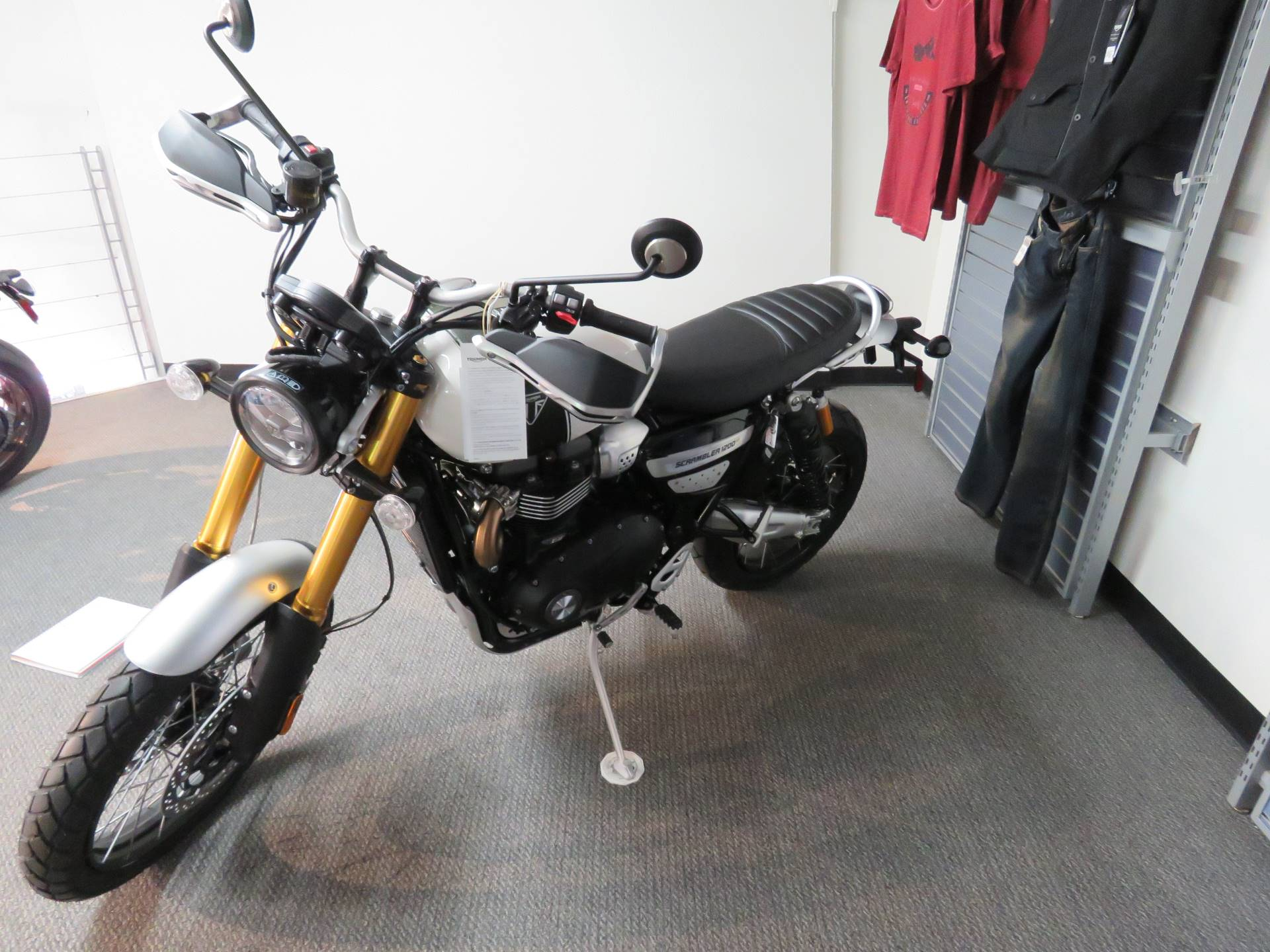 2020 Triumph Scrambler 1200 XE in Iowa City, Iowa - Photo 3