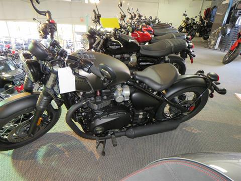 2020 Triumph Bonneville Bobber Black in Iowa City, Iowa - Photo 3