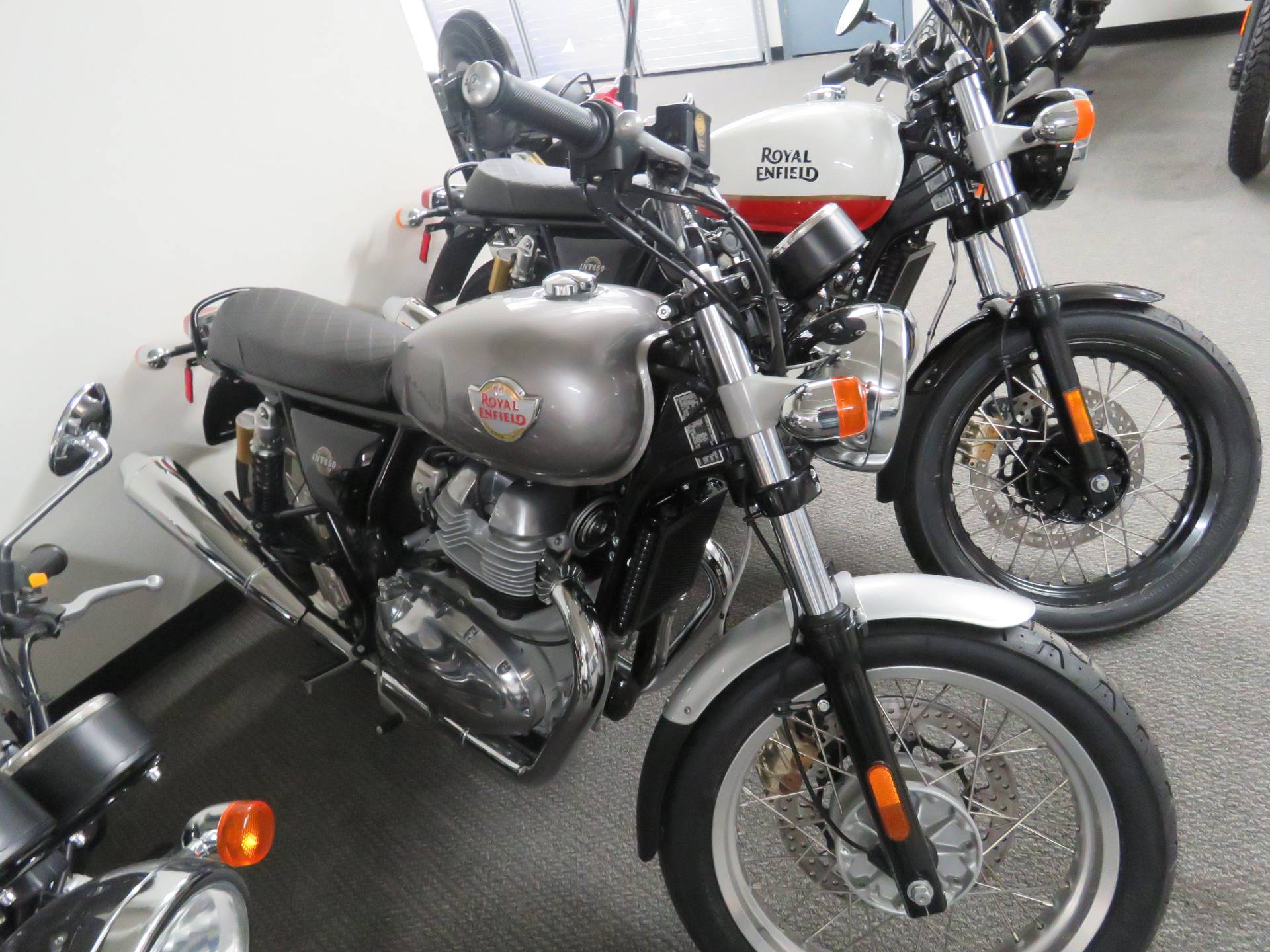 2021 Royal Enfield INT650 in Iowa City, Iowa - Photo 3