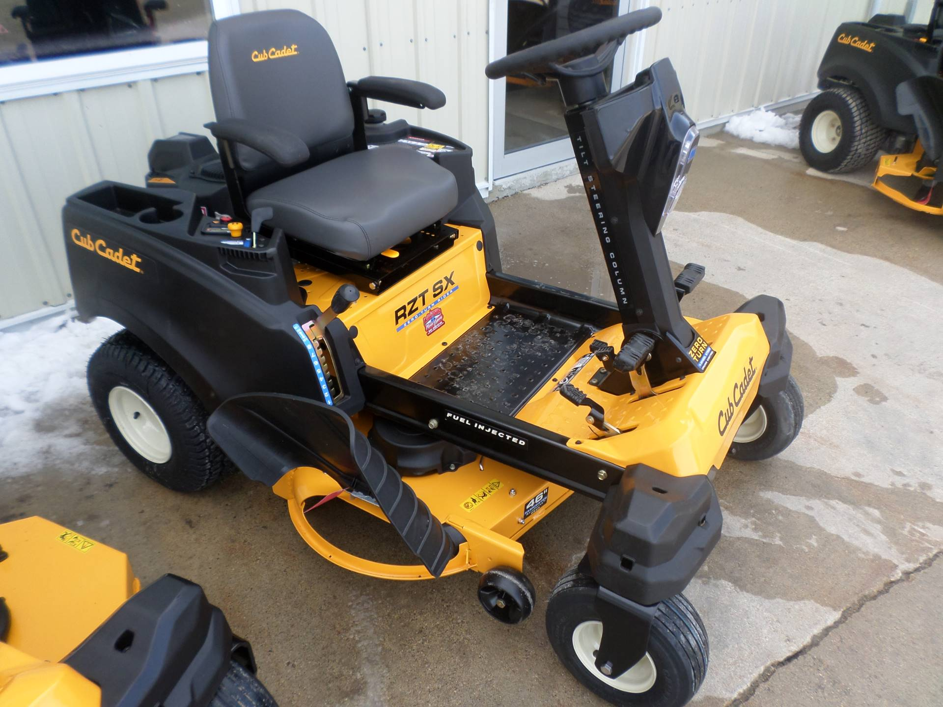 2018 Cub Cadet RZT SX 46 in Lake Mills, Iowa