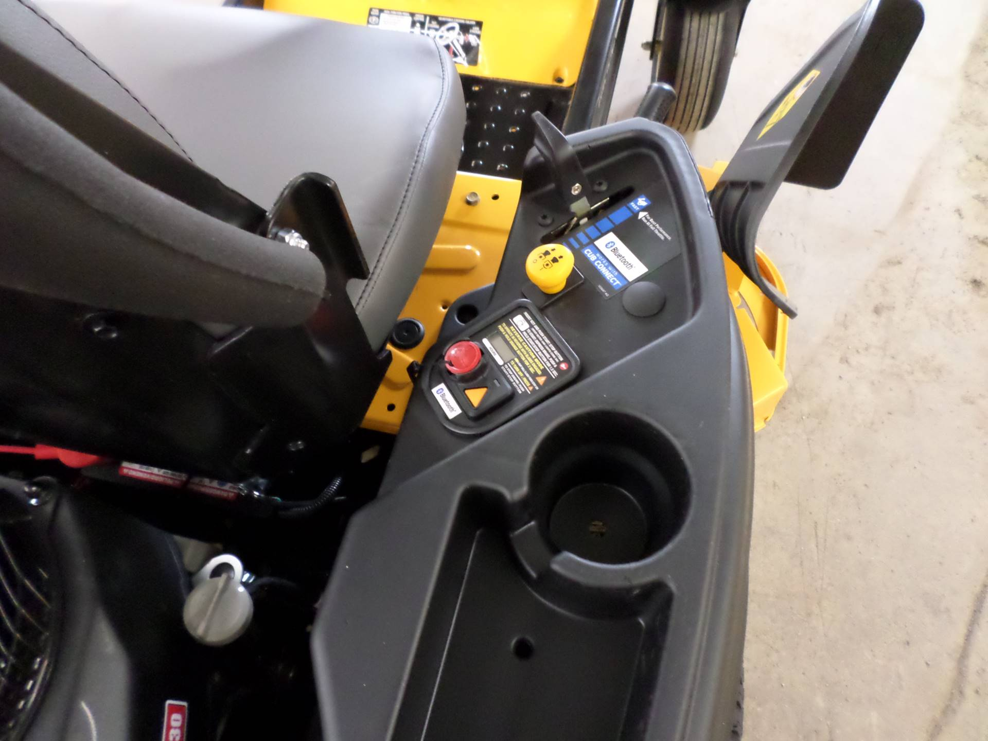 2019 Cub Cadet RZT SX 50 in. Cub Cadet EFI 679 cc in Lake Mills, Iowa - Photo 4
