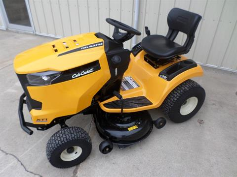 2018 Cub Cadet XT1 LT 42 Inch EFI in Lake Mills, Iowa