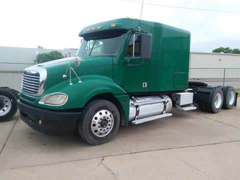 2008 Freightliner semi in South Hutchinson, Kansas